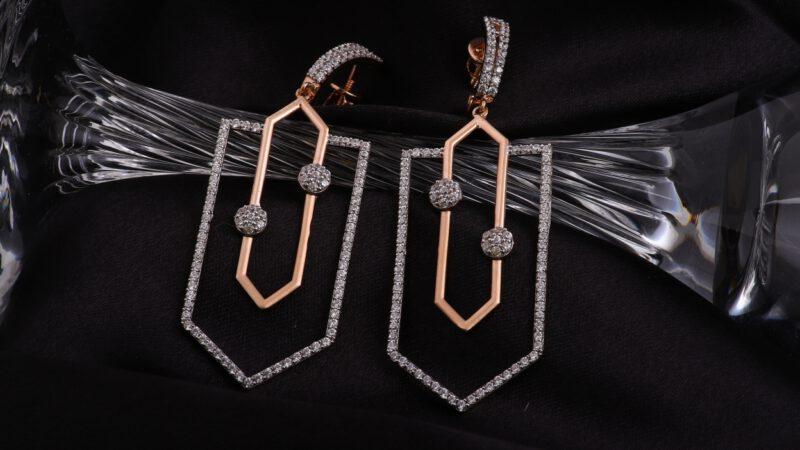 Earring-creative-jewellery-photography